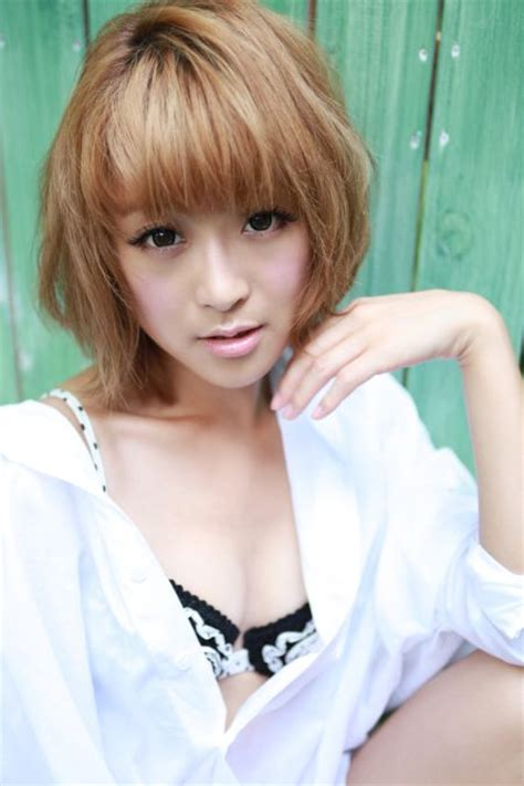 鈴木奈々(モデル)