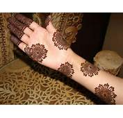 Gorgeous Mehndi Design Adopted From