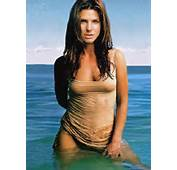 Sandra Bullock Is Thought To Weigh Between 130 And 135 Pounds 59kg