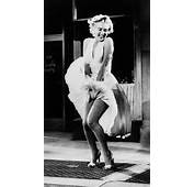 Marilyn Monroe Posing During The Famous Subway Grate Scene From