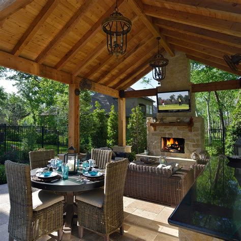 Covered Outdoor Living Patio