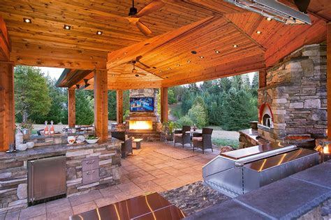 Luxury Outdoor Kitchens Patio