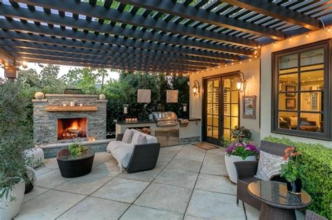 Outdoor Kitchen Covered Patio Designs