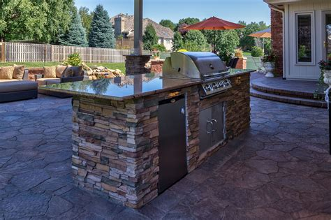 Outdoor Kitchens with Patio Blocks