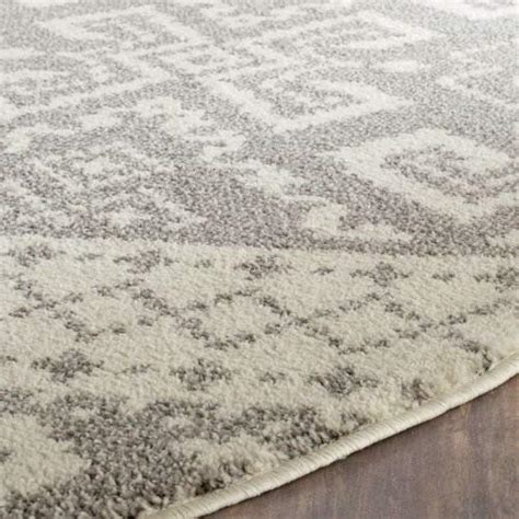 Safavieh Adirondack Collection ADR107B Ivory and Silver Rustic