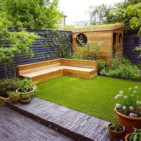 Small Garden Courtyards Designs