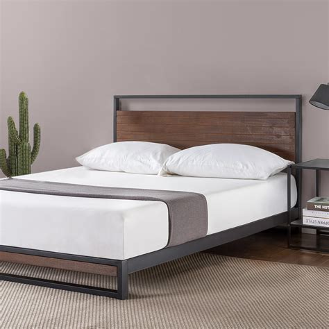 Zinus Suzanne Metal and Wood Platform Bed with Headboard /
